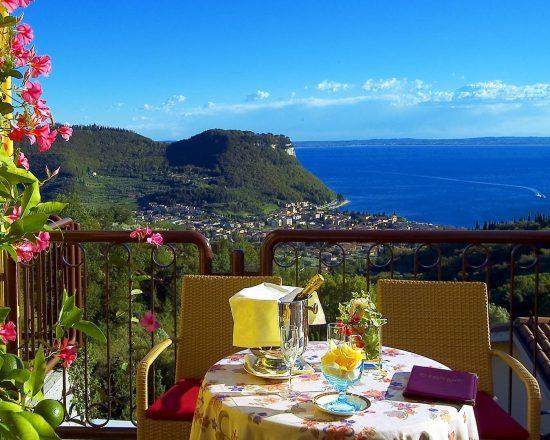 7 Nächte im Madrigale Panoramic & Lifestyle Hotel und 3 Greenfee je Person (GC Ca degli Ulivi, GC Paradiso del Garda und GC Chervo)