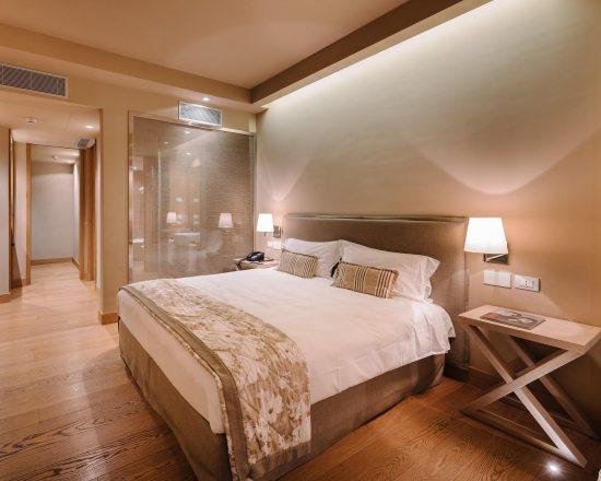 7 Nächte im Tenuta de l'Annunziata und 3 Greenfee je Person (GC La Pineta, Villa d Este und Carimate)