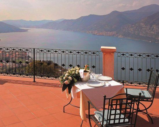 8 noches con desayuno incluido en Relais i due Roccoli y 4 Greenfee por persona (Club de Golf Franciacorta, Club de Golf Arzaga, Gardagolf Country Club y Bergamo Albenza)