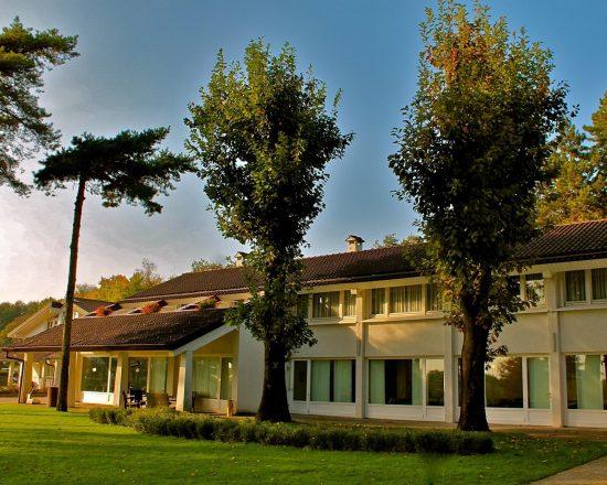 3 Nächte im Golf Hotel La Pinetina und 1 Greenfee je Person (Golfclub La Pinetina)