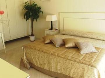 5 Nächte im Parc Hotel Germano und 2 Greenfee je Person (Golfclub Ca degli Ulivi und Paradiso del Garda)