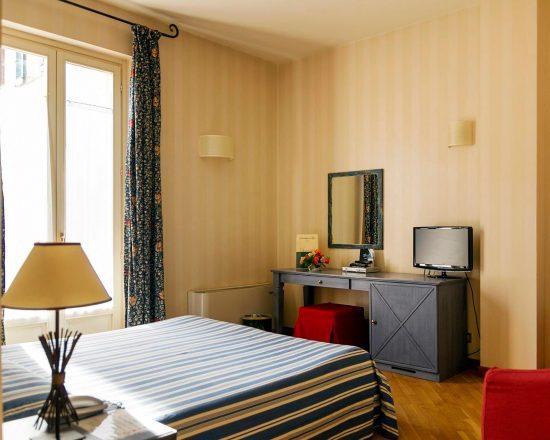 5 Nächte im Hostellerie du Golf und 2 Greenfee je Person (Golfclub Ciliegi und La Margherita)