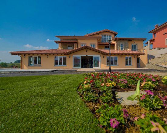 8 Nächte im Villa Carolina Resort mit Frühstück und 4 Greenfees je Person (GC Villa Carolina, GC Colline del Gavi,GC Valcurone und GC Margara)