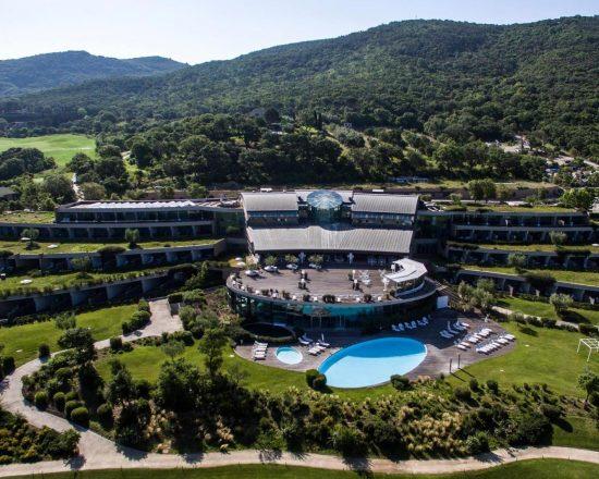 3 noches con desayuno incluido en Argentario Golf Resort y 1 Greenfee por persona (Club de Golf Argentario)