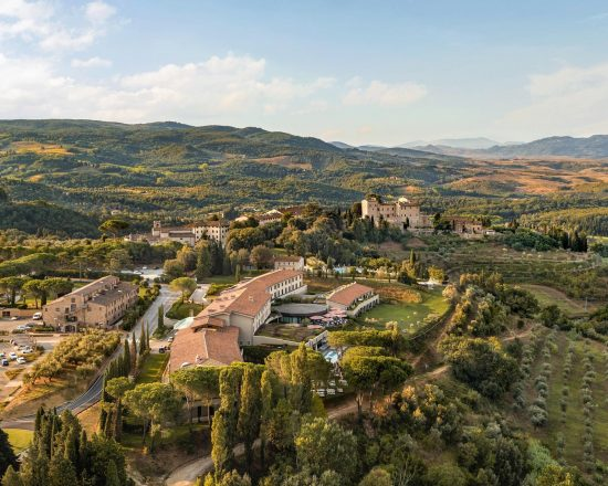 3 nights with breakfast at Toscana Resort Castelfalfi and one green fees per person (Castelfalfi Golf Club)