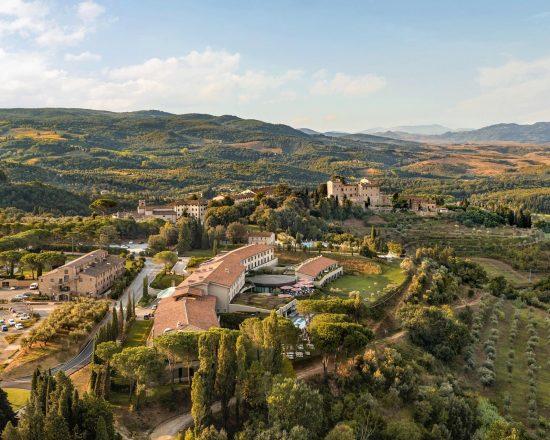 3 noches con desayuno incluido en Toscana Resort Castelfalfi y 1 Greenfee por persona (Club de Golf Castelfalfi)