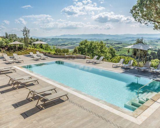5 Nächte im Toscana Resort Castelfalfi und 2 Greenfee je Person (Golfclub Castelfalfi und Montecatini)