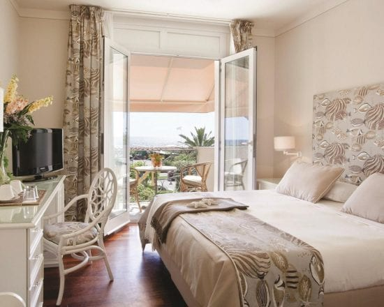 5 nights with breakfast at Hotel Il Negresco and two green fees per person (Golf Club Forte dei Marmi and Cosmpolitan)
