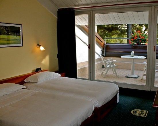 Nächte im Golf Hotel La Pinetina und 2 Greenfee je Person (Golfclub La Pinetina und Monticello)