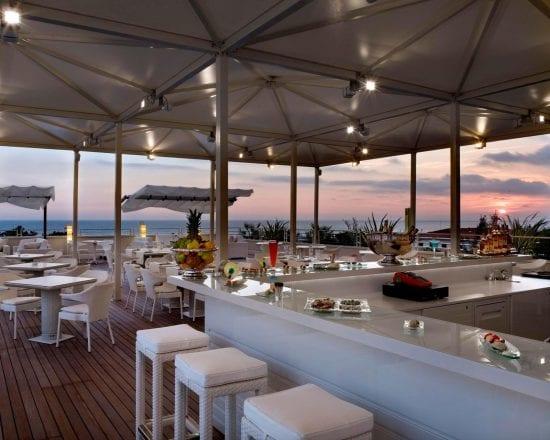9 noches con desayuno incluido en Hotel Versilia Lido UNA Esperienze y 5 Greenfee por persona (Golf Club Forte dei Marmi, Le Pavoniere, Montecatini, Tirrenia y Cosmopolitan)