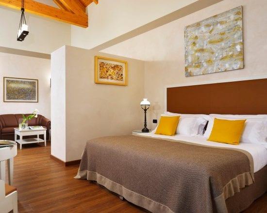 5 Nächte im Hotel Castello Dal Pozzo - Palazzo mit Frühstück und 2 Greenfee je Person (Golfclub Bogogno und Castelconturbia)