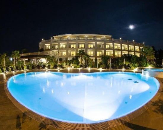 5 Nächte im Palace Hotel Desenzano und 2 Greenfee je Person (Golfclub Chervò Golf San Vigilio und Arzaga)