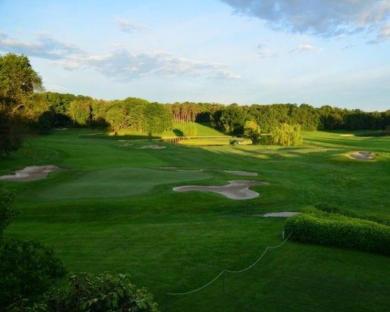 7 Nächte mit Frühstück im Golf Hotel Le Betulle & Castello La Rocchetta und 3 Greenfee je Person (Golfclub Biella, Bogogno und Castelconturbia)