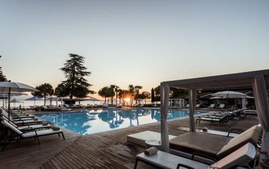 9 nights with breakfast at Splendido Bay Luxury Spa Resort and five green fees per person (Arzaga Golf Club, Verona, Paradiso, GC Gardagolf and GC Chervo)