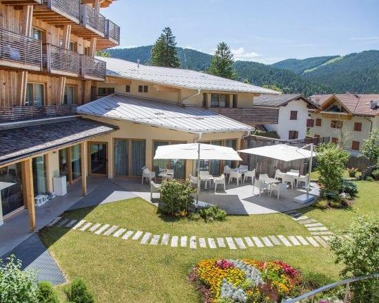 3 nights at Blu Hotel Natura & Spa and 1 green fee per person (Folgaria Golf Club)